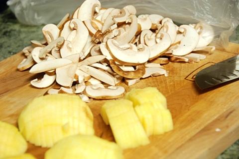 sliced mushrooms and chopped apple
